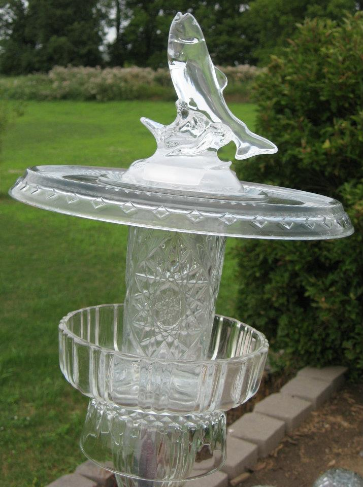 Recycled glass bird feeder with fish ornament glimmering for Recycled glass garden ornaments