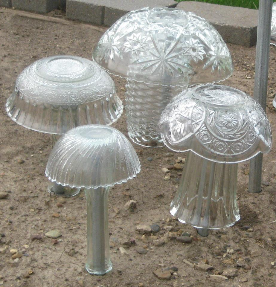 Recycled glass garden mushrooms glimmering garden gems - Recycled glass for gardens ...