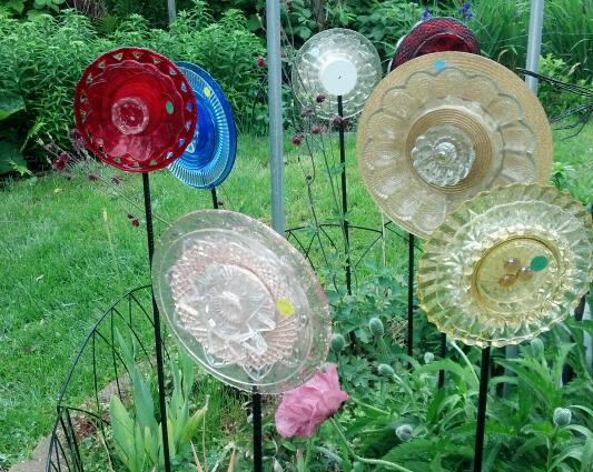 Red peach gold yellow clear and blue glass garden for Recycled glass garden ornaments